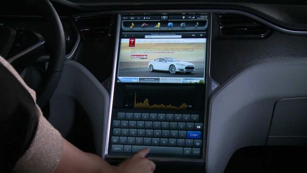Der 17-Zoll-Touchscreen in Teslas Modell S